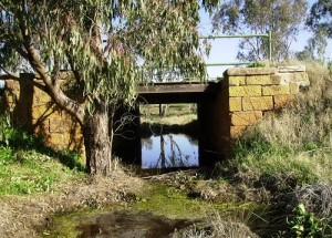 Chinaman's Bridge on the Bedgerebong Road, Forbes, NSW, near the site of several Chinese horticultural blocks. Photo by Merrill Findlay, 2006.